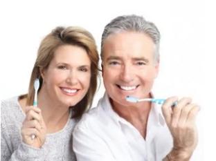 Come si lavano i denti