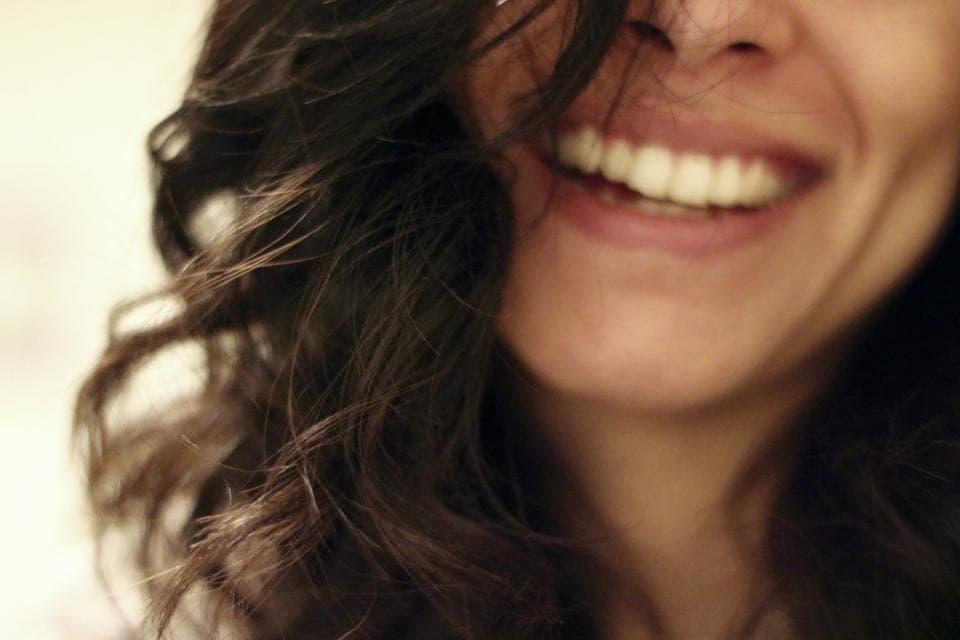 Raggazza sorridente